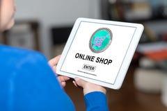 在片剂的网上商店概念 免版税库存照片
