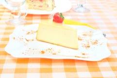 在牌照的乳酪蛋糕 库存照片