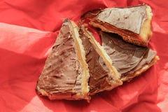 在牌照的巧克力蛋糕 免版税库存照片