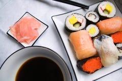 在牌照的被分类的寿司 库存图片