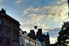 在牛津天空的气球 免版税库存图片