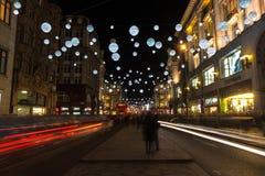 在牛津街,伦敦,英国的圣诞灯 免版税库存照片