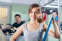 在物理疗法诊所的修复锻炼 库存图片