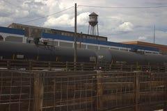 在牲畜饲养场的有轨电车 库存照片