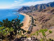 在特内里费岛,西班牙的Las Teresitas海滩 免版税图库摄影