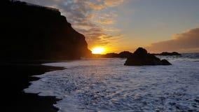 在特内里费岛Teneriffa的黑沙子海滩 免版税图库摄影