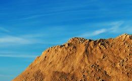 在特写镜头,淋浴的石头附近的山 库存照片