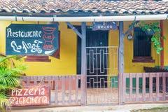 在特古西加尔巴, Hondu附近的瓦尔de安赫莱斯老西班牙采矿镇 免版税库存图片