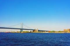 在特拉华河的本杰明・富兰克林桥梁在费城 库存照片