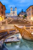 在特里尼塔dei蒙蒂的西班牙步在黎明,罗马,意大利,欧洲 免版税库存图片