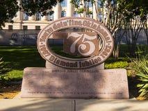 75在状态国会大厦-俄克拉何马市-俄克拉何马- 2017年10月18日的第60或第75周年纪念俄克拉何马 免版税库存图片