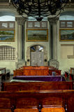 在犹太教堂里面的天花板 免版税库存照片