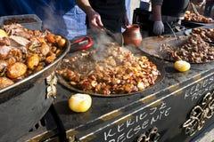 在狂欢节的传统匈牙利食物 免版税图库摄影