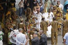 在狂欢节节日期间的街道执行者 里约热内卢, 库存图片