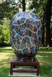 在狄克逊画廊的质朴的荧光的抽象6月金子陶瓷艺术展览和庭院在孟菲斯,田纳西 免版税库存图片