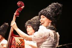 在独奏音乐会的DakhaBrakha在剧院 库存图片
