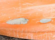 在独木舟小船的大裂缝 库存图片