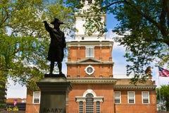 在独立霍尔的雕象在费城, PA 库存图片