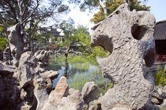 在狮子林,苏州,中国的好奇岩石 免版税库存照片