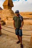 在狮身人面象附近在吉萨棉 开罗埃及 库存照片