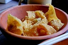 在猪肉包裹的油煎的饺子 图库摄影