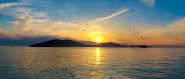在王子的Islands上的日落。土耳其,伊斯坦布尔,马尔马拉Se 库存图片