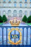 在王宫正方形的瑞典皇家冠在斯德哥尔摩 免版税库存照片