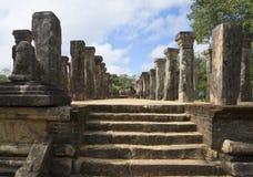 在王宫的会议室的步 Polonnaruwa,斯里兰卡 库存照片