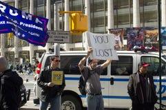 在王牌之外的支持者在总统` s天耸立 免版税库存照片
