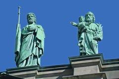 在玛丽,世界的女王/王后大教堂大教堂的雕象  免版税图库摄影