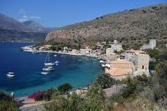 在玛尼希腊小村庄的Limeni由海 免版税库存图片