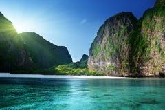 在玛雅人海湾,发埃发埃Leh海岛的早晨时间 免版税库存照片