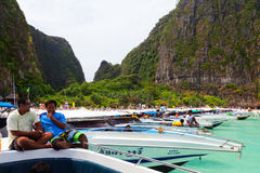 在玛雅人海湾,泰国附近的快艇 免版税图库摄影
