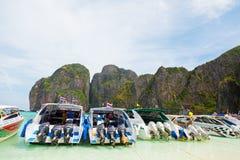 在玛雅人海湾,泰国附近的快艇 图库摄影