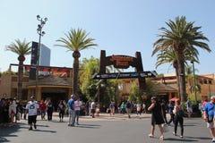在环球影业好莱坞的侏罗纪公园乘驾 免版税库存图片