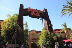 在环球影业好莱坞的侏罗纪公园乘驾 免版税库存照片