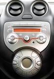 在现代汽车的控制面板和cd 免版税库存图片
