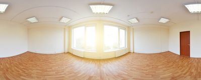 360在现代空的公寓内部,程度无缝的全景的全景视图 免版税库存图片