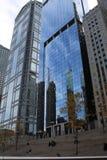 在玻璃墙在OneEleven W瓦克推进公寓,芝加哥的反射 库存图片