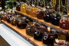 在玻璃瓶子的果酱 图库摄影