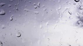 在玻璃窗的雨珠 影视素材