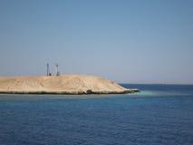 在珊瑚礁的灯塔在红海 库存图片