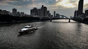 在珠江的剧烈的日落风景 图库摄影