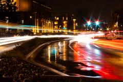 在球州立大学的夜间交通 库存图片