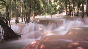 在琅勃拉邦老挝人的Tadsae瀑布 免版税库存图片