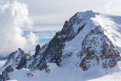 在瑞士山的看法 免版税库存图片