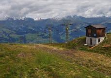 在瑞士山的缆绳推力 免版税库存照片