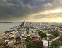 在瓜亚基尔的看法从在日落的小山 库存图片