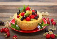 在瓜的新鲜水果沙拉 免版税库存照片