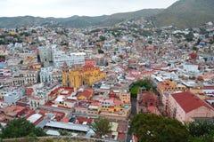 在瓜纳华托州市的全景在墨西哥 免版税图库摄影